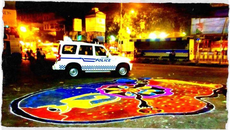 8B bus stand: Jadavpur